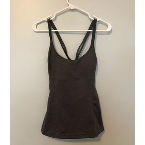 Alo Yoga strappy back tank with built in bra